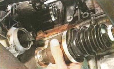 Снятие-установка приводов передних колёс